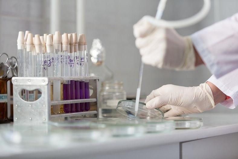 Ученый рассказал, на какое время хватит иммунитета прививки от COVID-19
