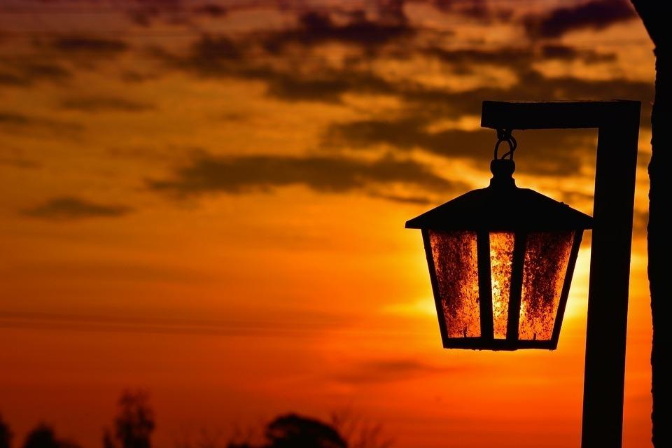 Мэр поручил на подходах к социальным учреждениям установить дополнительное освещение