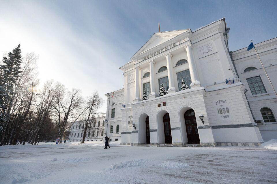 Российские вузы продолжают развивать систему образования в пандемию