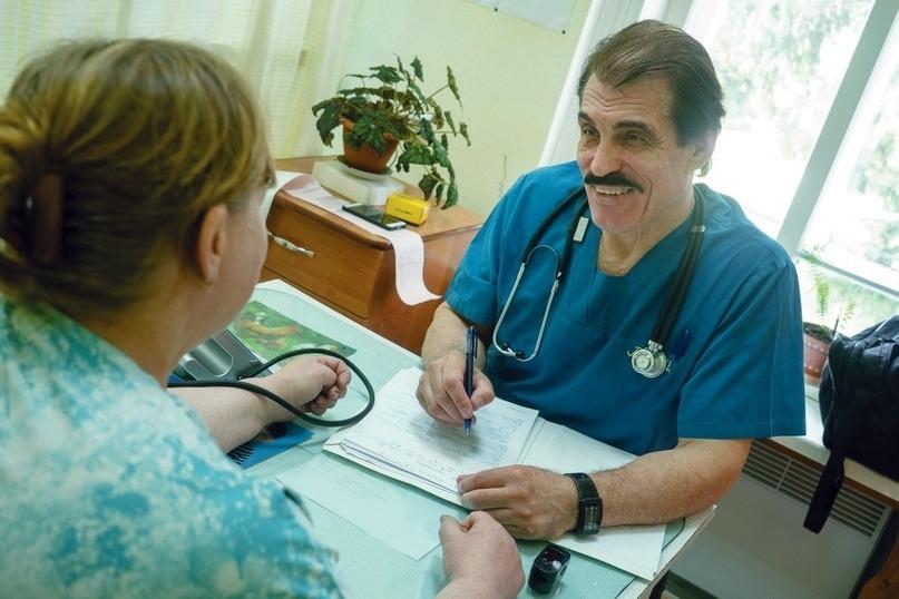 В Томске от COVID-19 умер известный кардиолог Валерий Шиканков