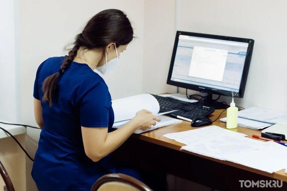 Томские волонтеры-медики будут получать деньги за работу с коронавирусными больными