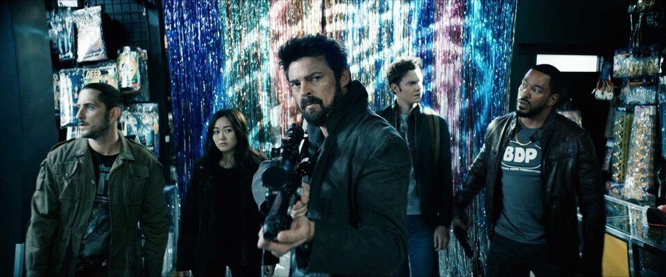 «Водоворот», «Половое воспитание» и второй сезон «Мандалорца»: сериалы 2020 года, которые вы могли пропустить
