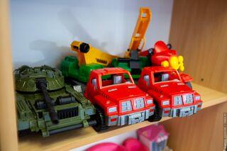 Любителям игрушек, баров и домоседам: им томички угодили с подарками к 23 февраля