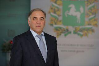 Глава избирательной комиссии Томской области Эльман Юсубов покидает свой пост