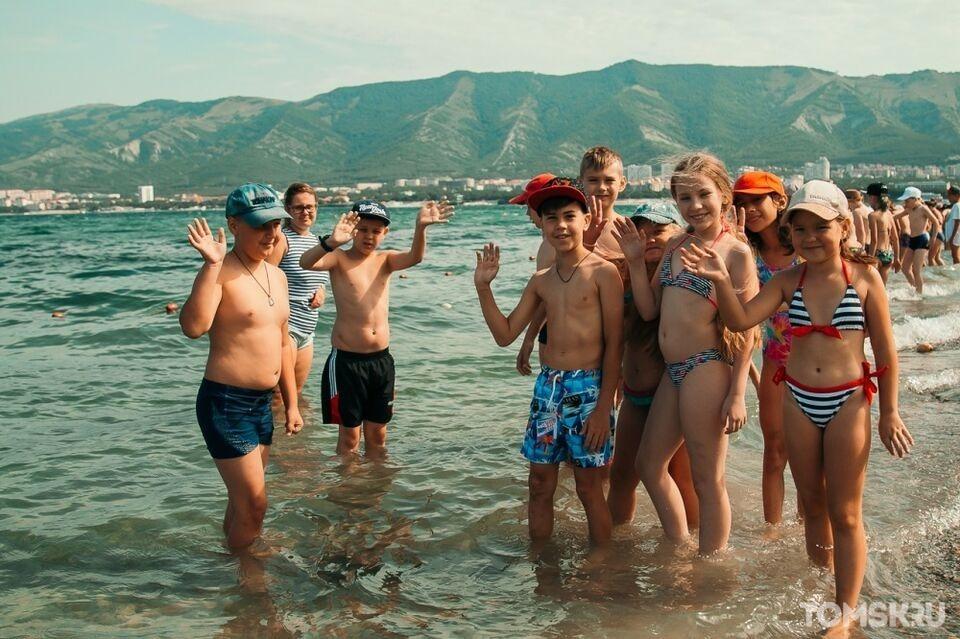 Вернуть детей в летние лагеря: детский омбудсмен просит смягчить требования и организовать отдых для школьников