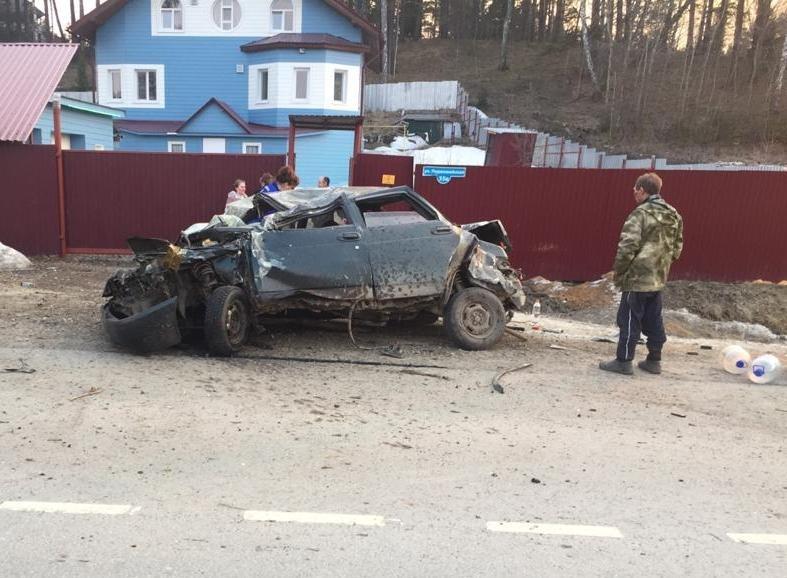 Два человека пострадали в аварии под Томском