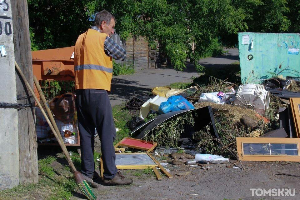 Регоператор разъяснил, как увеличить число мусорных баков во дворе