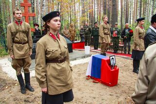 В Томской области похоронили найденного под Новгородом солдата Великой Отечественной войны