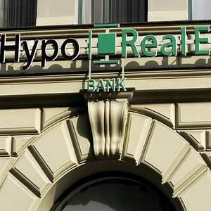 В Германии, из-за финансовых потерь своего дочернего предприятия Depfa, терпит бедствие банк Hypo Real Estate. Правительство страны пытается решить эту проблему, чтобы не допустить краха европейской экономики по примеру США.