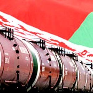"""В то время как Путин находится с официальным визитом в столице Белоруссии, бизнес также не дремлет. """"СИБУР Холдинг"""" подписал соглашение о сотрудничестве в нефтехимической сфере на 2009 – 2011 годы с """"Белоруснефтью""""."""