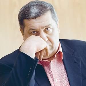 Россия требует у Великобритании выдачи бывшего президента Русснефти Михаила Гуцериева. После предъявления обвинений в 2007 году, он, подобно другим преследуемым российским государством личностям, скрылся в Великобритании.