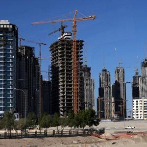 В сентябре 2008 года на первичном рынке жилья Москвы объем предложения увеличился на +4,5% относительно предыдущего периода. По итогам сентября, ввиду укрепления позиций доллара, динамика изменения рублевых цен в новостройках столицы продемонстрировала рост в +4,2%, в то время как средний уровень долларовых цен снизился на -0,4%.