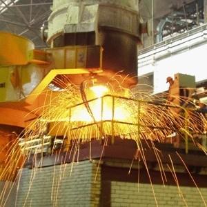 Российские металлурги начинают нести прямые убытки от финансового кризиса. Один из крупнейших в стране Магнитогорский меткомбинат снижает производство на 15% - работу теряют 10% сотрудников. Остальные меткомпании пока официально не признаются в сокращении выпуска продукции и работников.