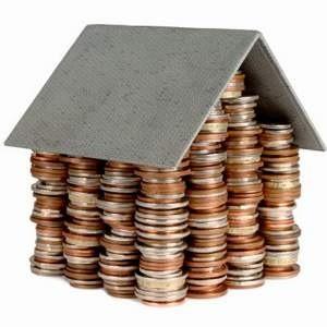 Долларовые цены на недвижимость застыли. При этом рублевые цены на вторичном рынке выросли на 4,6%. По мнению экспертов, наиболее вероятный сценарий на регулярном рынке столицы в условиях сложившейся финансовой ситуации – сохранения цены предложения на прежнем уровне при стагнации спроса.