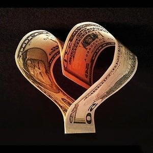 Объем сделок прямого однодневного РЕПО с Банком России на утреннем аукционе снизился в пятницу на 12,3% по сравнению с четвергом - до 217,281 миллиарда рублей с 247,57 миллиардов рублей при установленном ЦБ лимите в 300 миллиардов рублей, свидетельствуют материалы Центробанка.