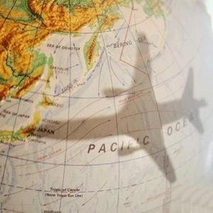 """Российские авиакомпании не исключают снижения цен на билеты в случае снижения цен на авиатопливо. """"Если решение о снижении стоимости авиатоплива будет принято, то, конечно, это отразится на цене билетов в сторону снижения"""", - сказала официальный представитель """"Аэрофлота"""" Ирина Данненберг."""