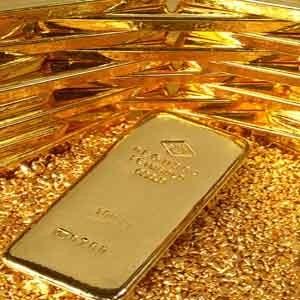 Золото и серебро восстанавливались после снижения в пятницу, несмотря на то, что фон в целом был смешанным. Рост цен на нефть поддержал котировки, однако сильный американский доллар ограничивал рост.