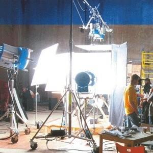 Российские продюсеры заморозили 25-30% от всех уже запущенных в производство кинофильмов из-за финансового кризиса.