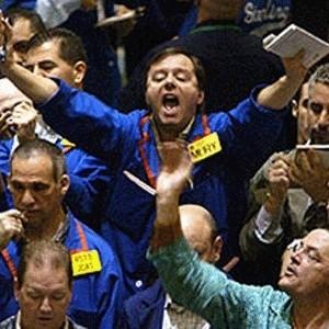 В связи с понижением технического индекса более чем на 5% по сравнению со значением технического индекса закрытия, торги на рынке акций будут приостановлены на 1 час с 13.05.
