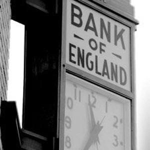 Банк Англии снизил ставку до 3% с 4,5% годовых, ожидалось понижение до 4%. В то же время аналитики в среднем прогнозировали уменьшение всего до 4%.
