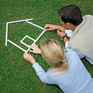 За неделю с 27 октября по 3 ноября 2008 года квартиры в столичных панельных и блочных домах, по оценкам экспертов, подешевели от 0,64 до 1,7%.