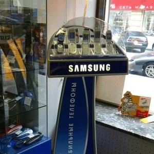В III квартале текущего года южнокорейский Samsung стал лидером по количеству проданных мобильников в США. На втором месте оказалась Motorola. Третье местто досталось компании LG.