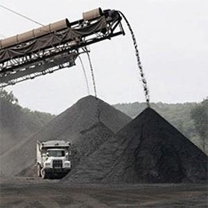 Российские производители угля заявили о снижении объемов добычи и продаж. В качестве причины снижения добычи и продаж угольные компании называют сокращение спроса на сырье со стороны металлургов.