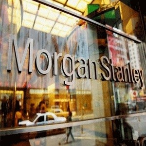 """Бывший инвестиционный банк Morgan Stanley объявил о дополнительном сокращении персонала на две тысячи человек. Штат финансовой организации сократится на 4%, пишет """"Lenta.ru"""" со ссылкой на The Financial Times. Предстоящие сокращения станут дополнением к 4 800 увольнений, произведенных с середины прошлого года инвестиционным банком, некогда считавшимся вторым по величине на Уолл-стрит. Более 10 тысяч  ..."""