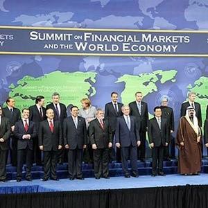 """Сегодня в 13:00 по московскому времени на сайте """"Finam.ru"""" состоится онлайн-конференция на тему: """"G20 против кризиса. Встреча первая"""" . В Вашингтон съехались главы двадцати государств, чтобы совместными усилиями распутывать клубок экономических проблем, которые всплыли под действием развернувшегося глобального кризиса."""