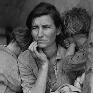 Больше половины россиян уверены, что правительству США не удастся справиться с финансовым кризисом и в стране начнется вторая Великая депрессия. Так считают 50,8% опрошенных. В том, что такой сценарий не возможен, уверены 23,2% респондентов.
