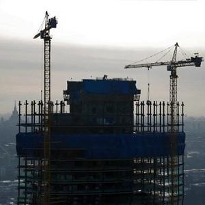 """Строительство башни """"Россия"""" на территории центра Москва-Сити заморожено. Это подтвердил первый заммэра Владимир Ресин. Работы приостановлены на неопределенный срок."""