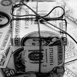 Международный валютный фонд (МВФ) выделил Пакистану $3,6 млрд. Эта сумма была предоставлена в рамках 23-месячного кредита в размере $7,6 млрд.
