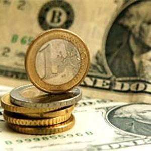 """ЦБ РФ продолжает воплощать в жизнь политику """"мягкой девальвации"""". Сегодня денежный регулятор снизил курс рубля к бивалютной корзине, по оценкам экспертов, еще примерно на 1%, расширив торговый диапазон на 30 копеек. Одновременно с этим было принято решение о повышении ставки рефинансирования - с 1 декабря 2008 года она составит 13% годовых - и об увеличении процентных ставок по операциям, проводимым Банком России."""