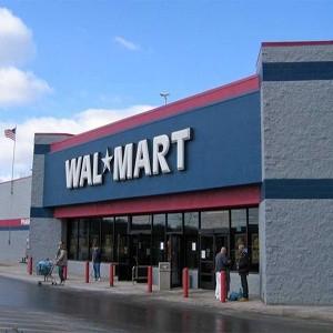 Американская Wal-Mart Stores зарегистрировала дочернее юридическое лицо в России. Кроме того, мировой гигант розничной торговли, не открывший пока ни одного магазина в России, вступил в Ассоциацию компаний розничной торговли России (АКОРТ), в которую уже входят 28 крупнейших торговых организаций нашей страны.