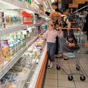 В России настало время экономического пессимизма населения. И не смотря на то, что сейчас доходы магазинов растут только благодаря новогодним продажам, вскоре кризис дотянется и до ритейла.