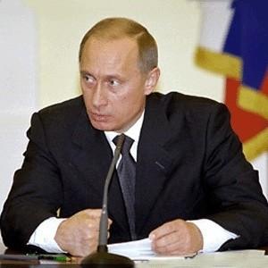 """Украина желает паразитировать на транзите газа в Европу, заявил премьер-министр РФ Владимир Путин. Из-за """"газовой войны"""" """"Газпром"""" несет убытки, которые уже составили $800 млн."""