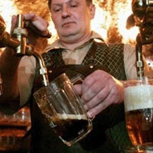 Из-за финансового кризиса в Великобритании ежедневно закрываются шесть пабов. По данным британской Ассоциации пива и пабов, во втором полугодии 2008 года в стране каждую неделю закрывались 39 пабов.
