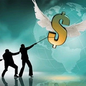 После продажи управляющей компании (УК) Росбанка Михаилом Прохоровым ее клиенты начали выводить оттуда свои деньги.