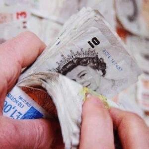 Экономика Великобритании вошла в период рецессии, официально подтвердило британское Бюро национальной статистики.