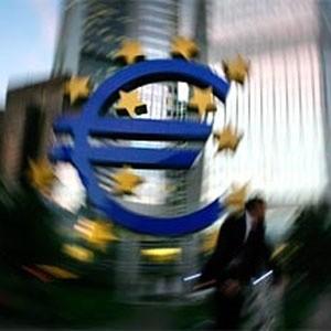 Европейский Центробанк будет против предоставления экстренной финансовой помощи пострадавшим от кризиса странам, находящимся за пределами еврозоны, заявил член управляющего совета банка газете Financial Times.