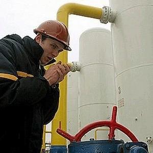 Польша по-прежнему получает через территорию Украины только половину российского газа, положенного ей по контракту.