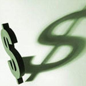 Курс доллара на ММВБ на открытии в понедельник пробил вверх уровень в 36 рублей, поднявшись на 26 копеек по сравнению с уровнем закрытия пятницы, свидетельствуют данные биржи.