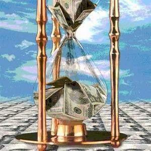 Центробанк установил официальный курс доллара на 3 февраля 2009 года выше отметки в 36 рублей, доведя его до 36,1767 рубля. Таким образом, по сравнению с 31 января американская валюта подорожала сразу более чем на 76 копеек.