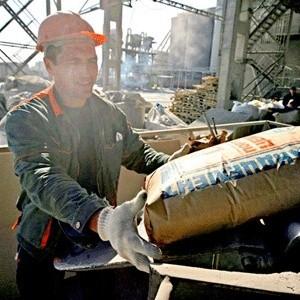 Снижения цен на жилье в России из-за удешевления стоимости цемента и металла не произойдет по причине того, что данные строительные материалы не являются главными ценоообразующими факторами в себестоимости строительства.