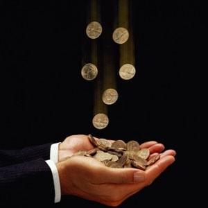 Нацбанк Казахстана в среду девальвировал национальную валюту на 25% - до 150 тенге за доллар против 120 тенге, сообщил глава Нацбанка республики Григорий Марченко на пресс-конференции в Алма-Ате в среду.