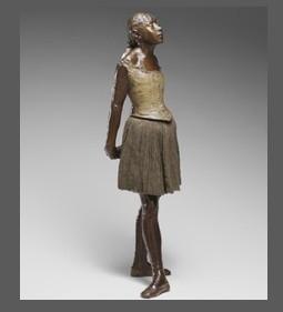 """Бронзовая скульптура Эдгара Дега """"Маленькая танцовщица"""" была продана на аукционе Sotheby's за рекордные 13.3 млн. фунтов (19,2 млн. долл.). Имя покупателя – коллекционера из Азии – не разглашается."""
