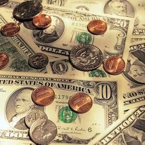 Россия готова оказать финансовую поддержку странам СНГ. В рамках этого уже решено выделить на преодоление последствий глобального финансового кризиса стабилизационный кредит в размере $500 млн Армении.