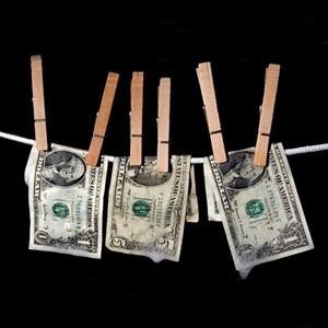 Центробанк РФ с начала 2009 года продал из международных резервов $40 миллиардов. При этом за весь 2008 год было продано $70 миллиардов.