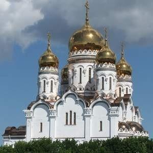 Минэкономразвития России предлагает вернуть в собственность церкви имущество, находящееся сейчас в ее безвозмездном бессрочном пользовании. Это культовые здания и сооружения с земельными участками, а также движимое имущество.