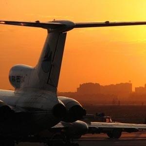 Для Бованенковского нефтегазоконденсатного месторождения строится специальный аэропорт. Его первую очередь планируется ввести в строй в конце 2009 года. Сдан в эксплуатацию аэропорт будет в 2011 году.